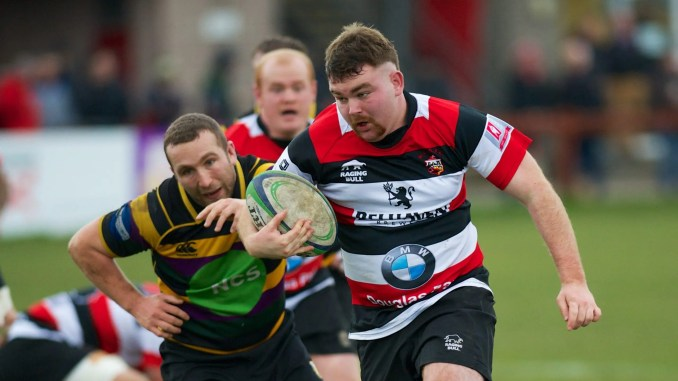 Prop Fraser Muir on the rampage for Stirling Wolves against Cartha Queens Park on Saturday. Image: Bryan Robertson