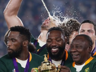 Could Tendai Mtawarira [in the centre] be headed to England? Image: Sportpix - Kevin Booth / Steve Haag / David Gibson