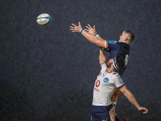 Edinburgh's Magnus Bradbury and Bulls' Marcell Coetzee compete for the ball at a line-out on a rain-lashed evening at the DAM Health Stadium. Image: © Craig Watson - www.craigwatson.co.uk