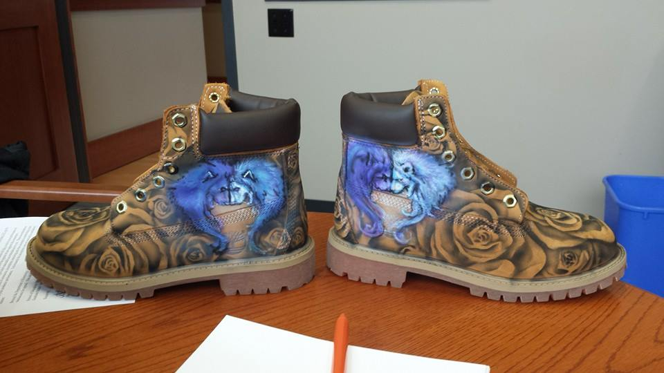 airbrushed-timberland-boots-finished-lion-hearts
