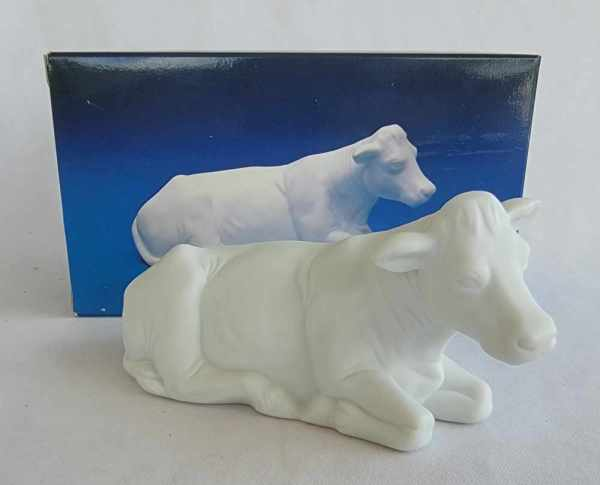 Avon Vintage Christmas Nativity The Cow White Porcelain Bisque Figurine 1987
