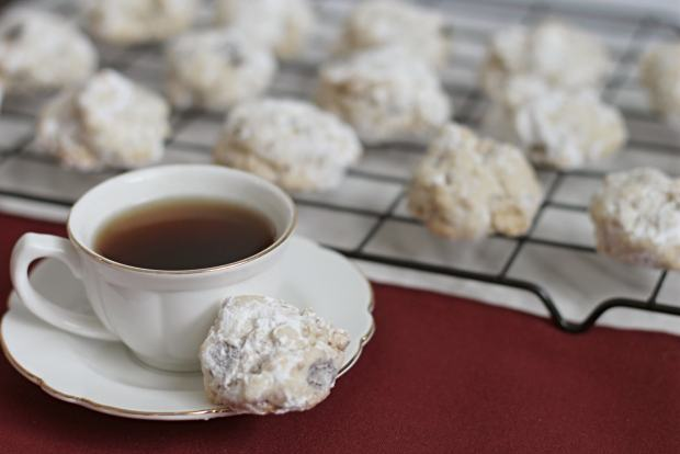 Italian Pecan Meltaways - Cookies with a Cup of Espresso