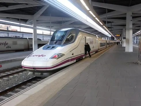 Improved Covid rates lead to calls for extra high-speed trains to Madrid from Spain's Costa Blanca