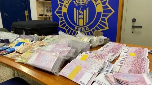 Counterfeit notes totalling €4 million are discovered in an abandoned Mercedes on the Costa Blanca in Spain