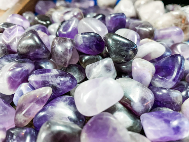 amethyst as 5 vibrational practices for the waning moon