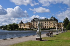 Le palais royal http://www.flickr.com/photos/50879678@N03/7250061514/ - © Bernard Blanc