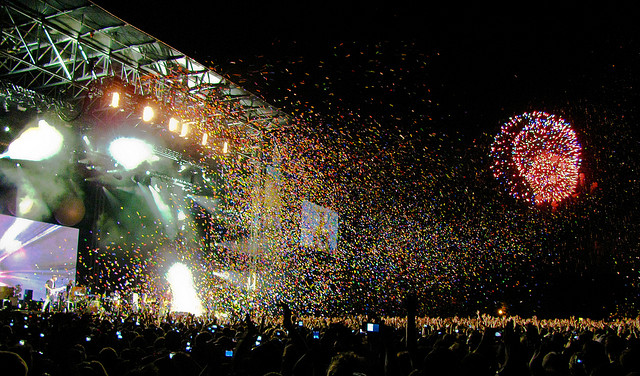 Coldplay Concert Stage (Osheaga 2009) with Fireworks & Butterflies - © Anirudh Koul http://www.flickr.com/photos/anirudhkoul/3780195067