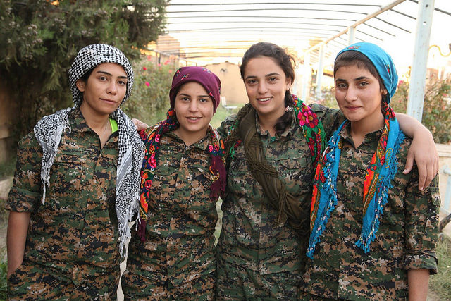 Kurdish YPG Fighters-©Kurdishstruggle www.flickr.com/photos/kurdishstruggle/22017659974