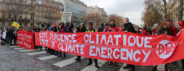 Paris Marches for climates©https://www.flickr.com/photos/takver/23076372394