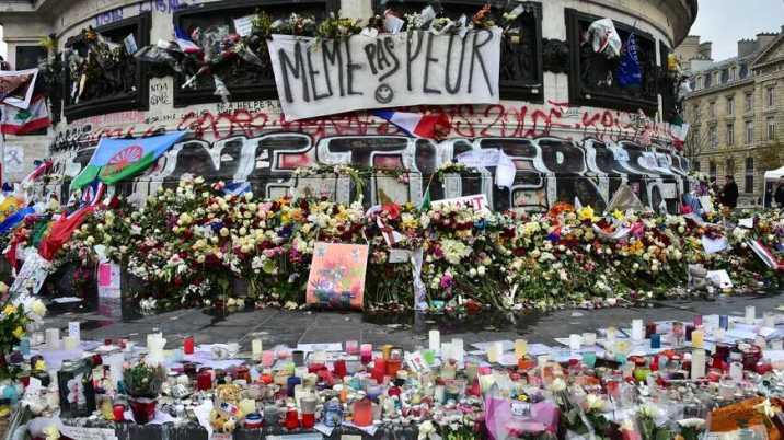 Hommage aux victimes des attentats de Paris©phane Mortagne La Voix du Nord