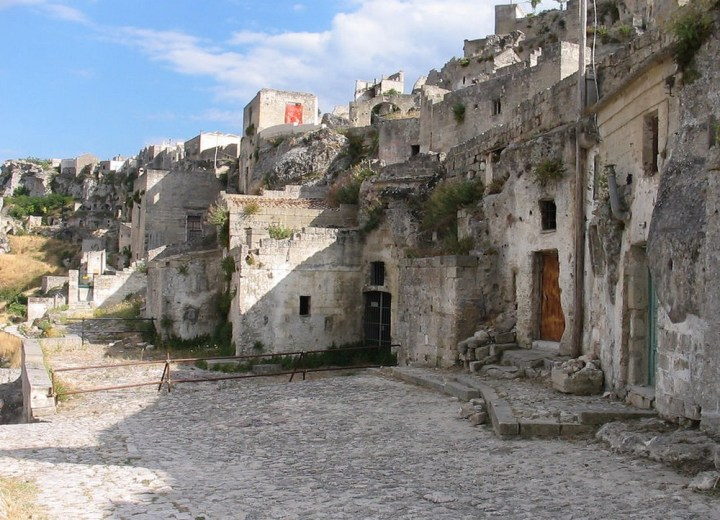 Les Sassi de Matera ©https://upload.wikimedia.org/wikipedia/commons