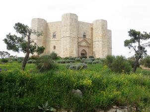Castel del monte ©Michel Saüquere