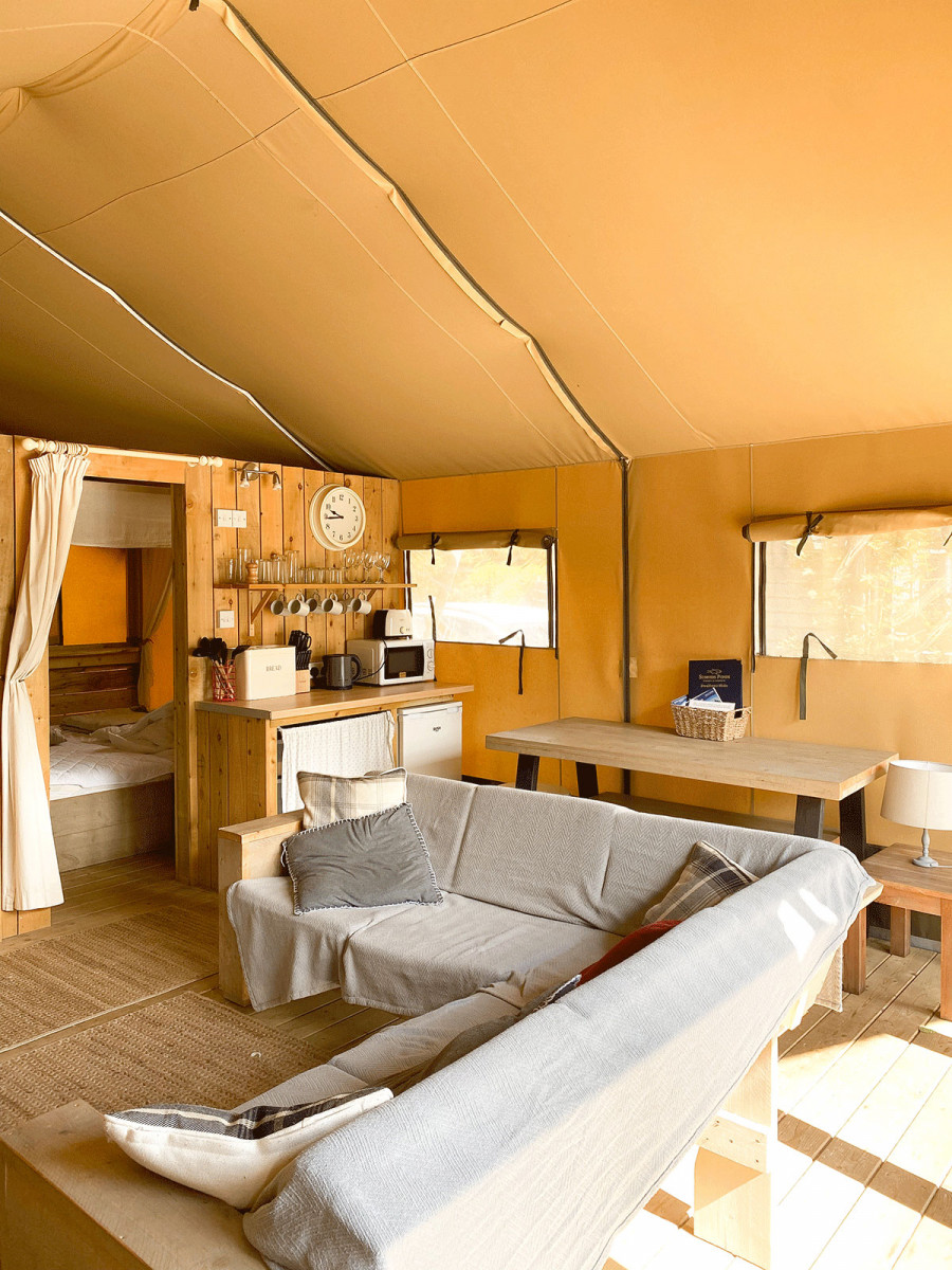 Sumners Ponds Safari Tent Swallows Hide Review, luxury tent with kitchen and bedrooms