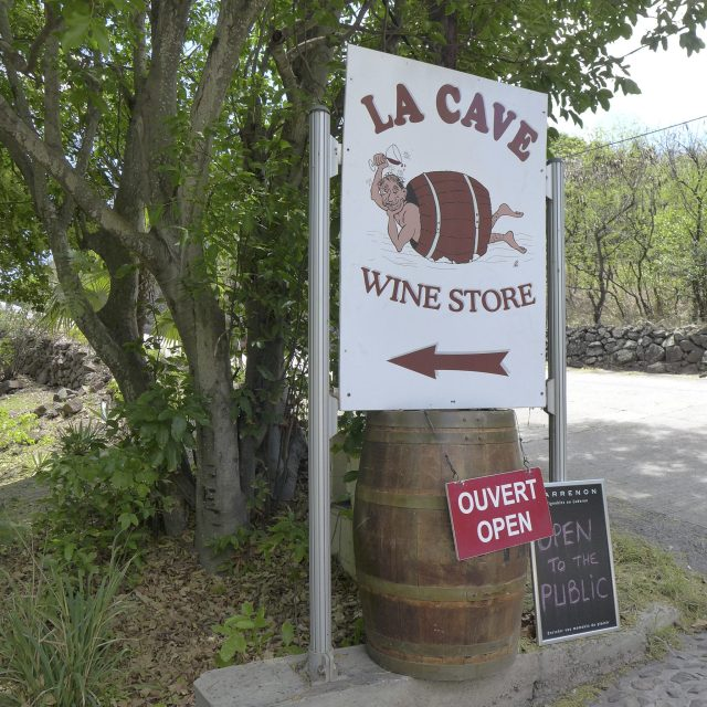 St. Barts wine shop La Cave