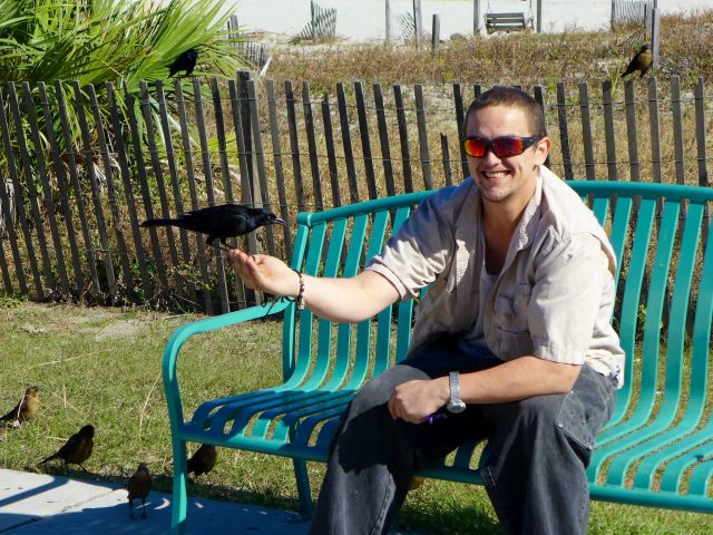 tybee-island-man-with -pigeon