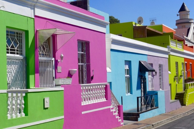 hire a local tour guide to see sights in Cape Town like the Bo Kaap neighborhood