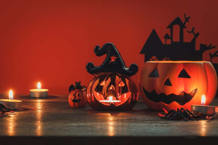 ideas for halloween candles to make for spooky holiday decorations