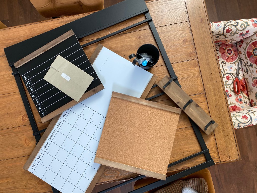 1Thrive Brooke components including calendars, to do chalkboards and pin board.