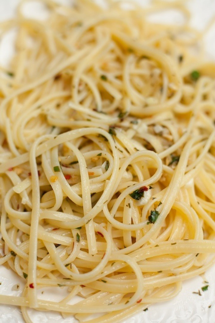 Pasta e Olio on white plate