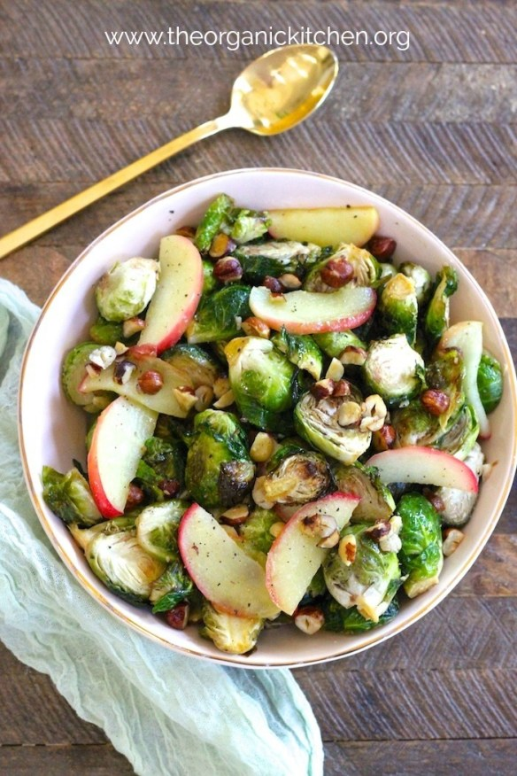Roasted Brussels Sprouts with Apples and Hazelnuts #brusselssprouts #whole30 #vegan #roastedbrusselssprouts #paleo #holidaysidedish