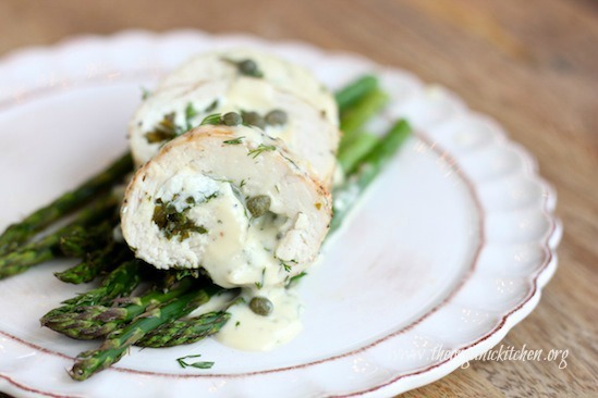 Spinach and Goat Cheese Stuffed Chicken Breasts on Asparagus with Dill Cream Sauce #keto #glutenfree #stuffedchickenbreasts