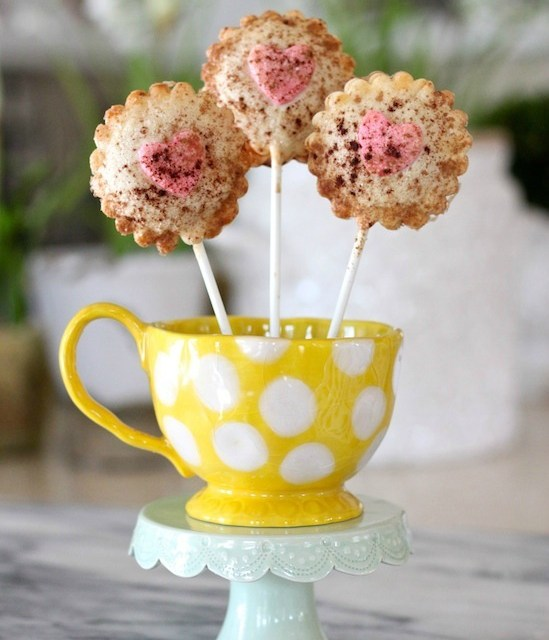 Valentine's Day Apple Pie Pops