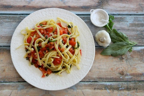 Pasta with Tomatoes and Lemon
