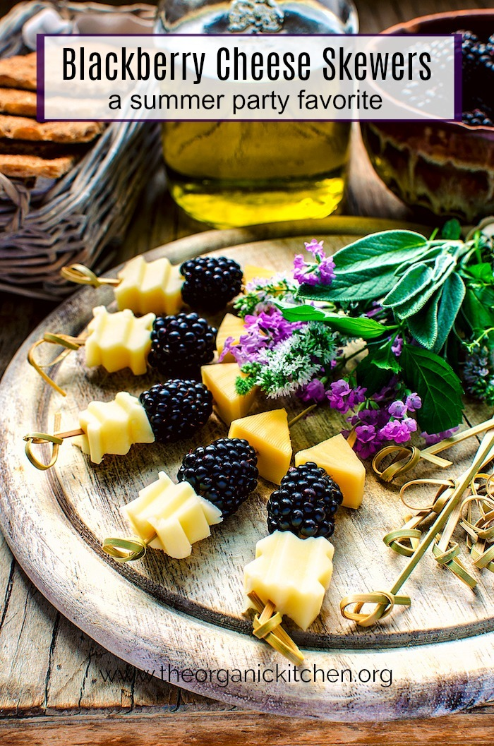 Blackberry and Aged Cheese Skewers #ketoappetizer #ketodessert #simpelappetizer #cheeseandfruit