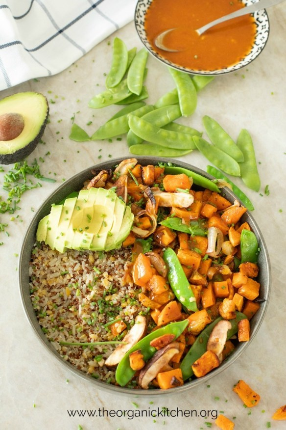 Copycat True Food Kitchen Ancient Grain Bowl! #ancientgrainsbowl #vegetariandinnerbowl #truefoodkitchen #quinoabowl