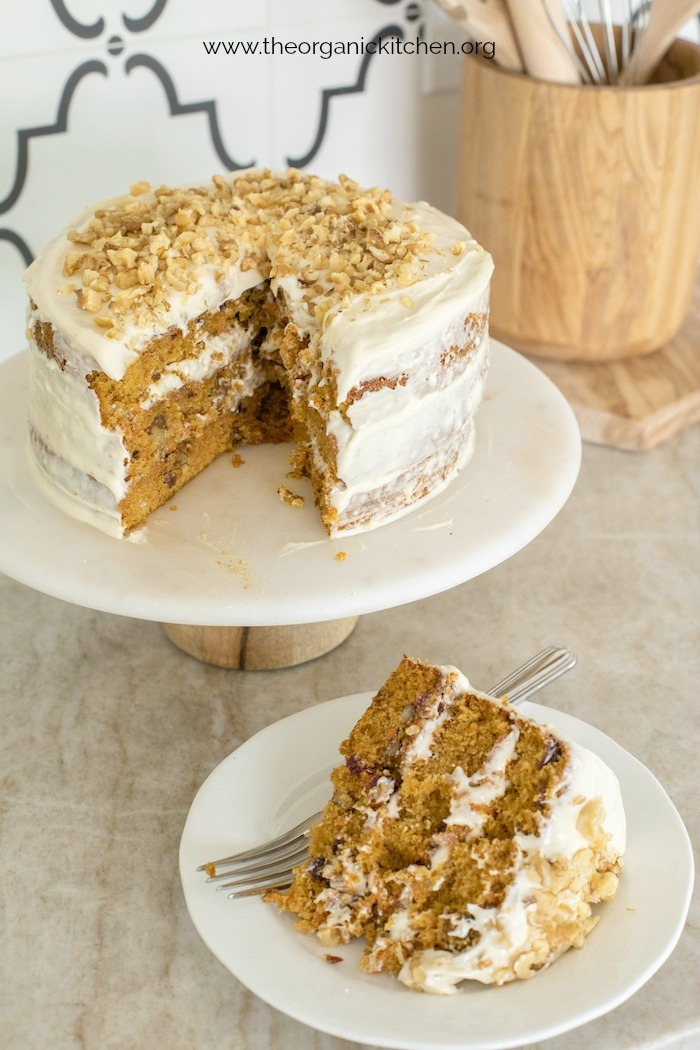 Carrot Cake with Cream Cheese Frosting #carrotcake #glutenfreecarrotcake #creamcheesefrosting