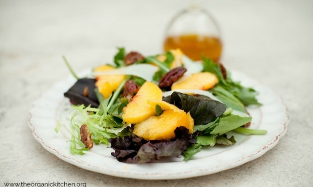 Green Salad with Fresh Peaches