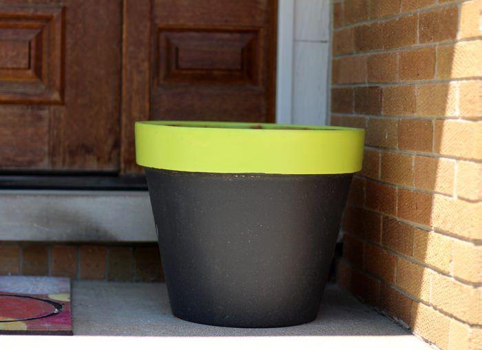 DIY Chalk Paint Terra Cotta Planters - Before Planter