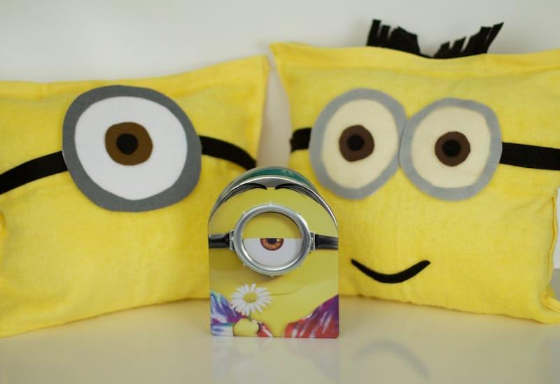 DIY Minions Pillows