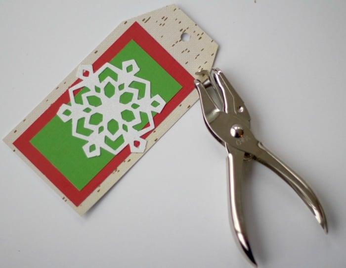 snowflake-tag-punch