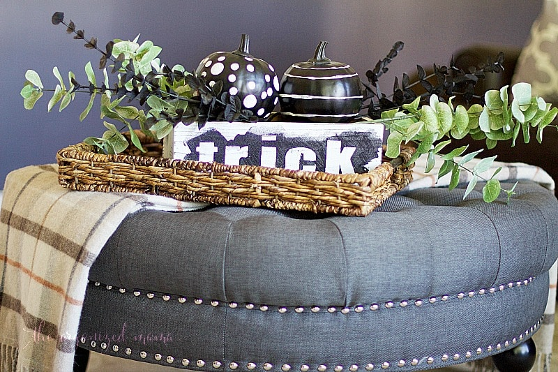 halloween planter box with glitter letters