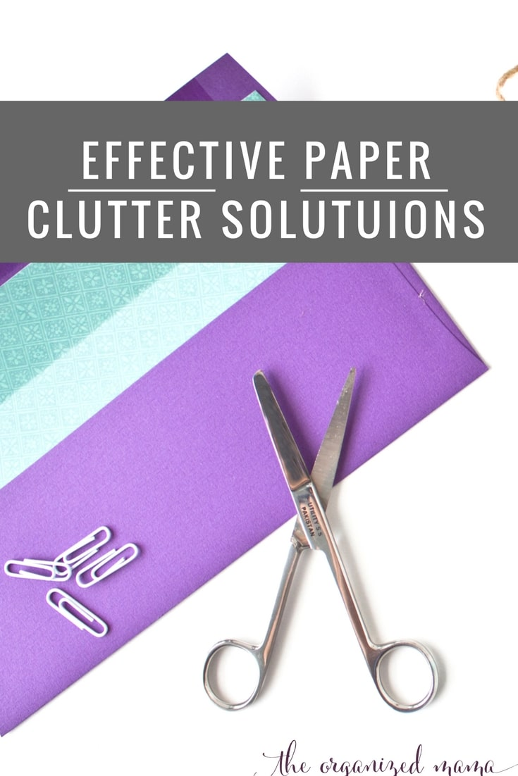 Keep your counters clear with easy paper clutter solutions from a professional organizer! She gives tips for creating paper organizer and more! #paperclutter #minimalist