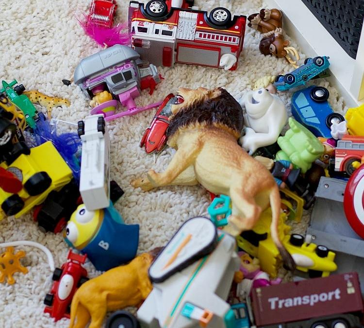 How To Declutter Kids' Toys In 6 Easy Steps