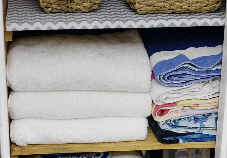 towels-in-closet