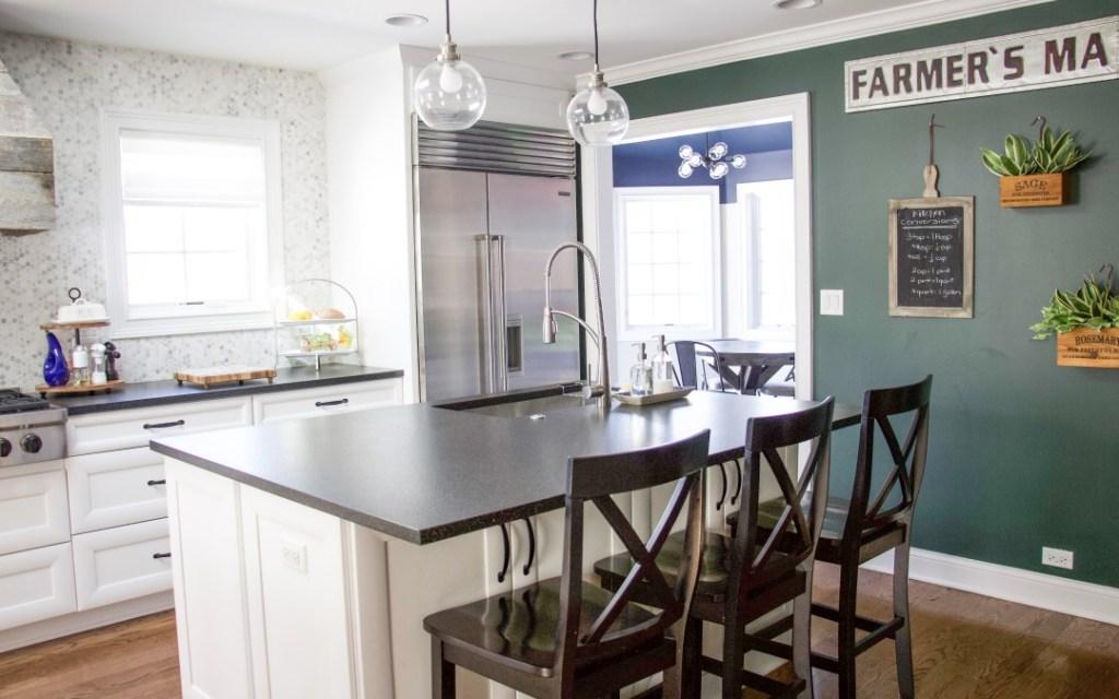 A clean and organized kitchen #theorganizedmama #kitchenorganization