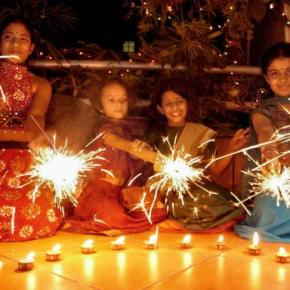 SIBLINGwali Diwali: These things from 1990s done together with your Brother or Sister make those Diwali days the most memorable ones.