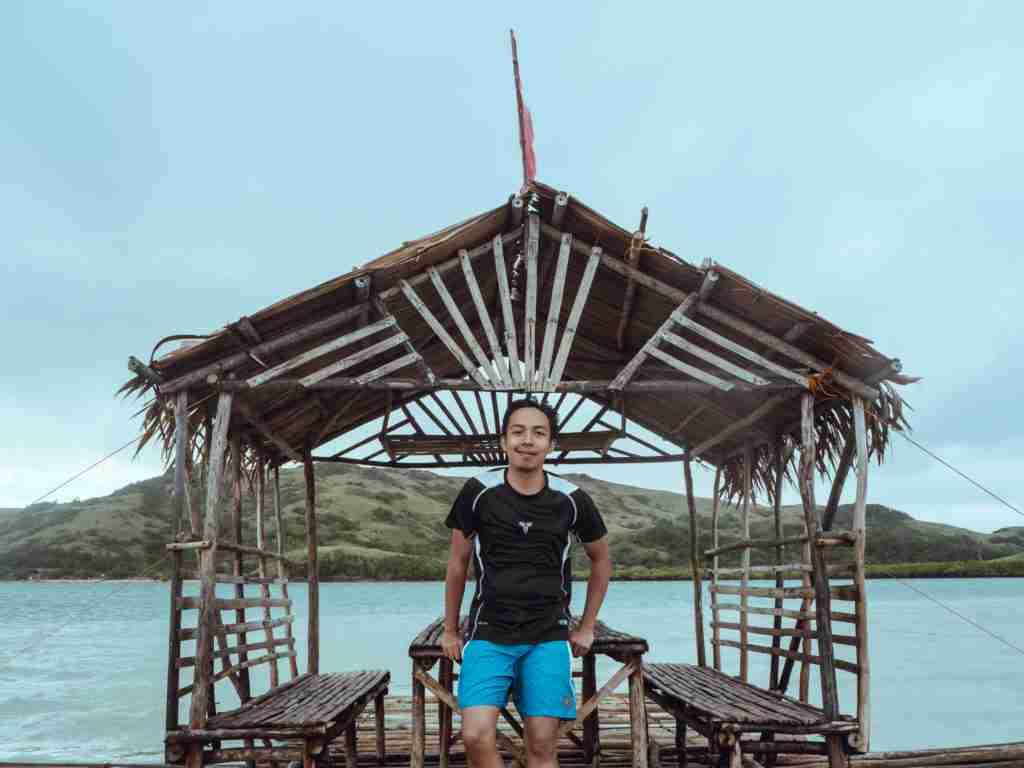 nipa huts in manlawi sandbar, caramoan