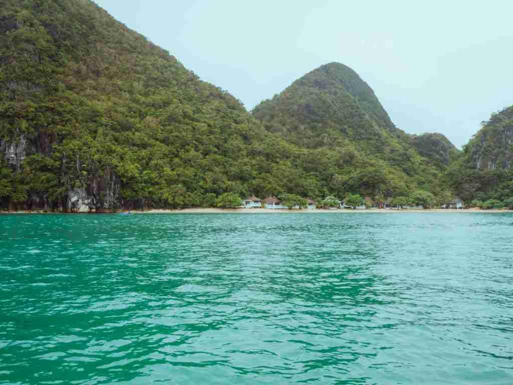 Hunongan Cove in front of Cagbalinad Island