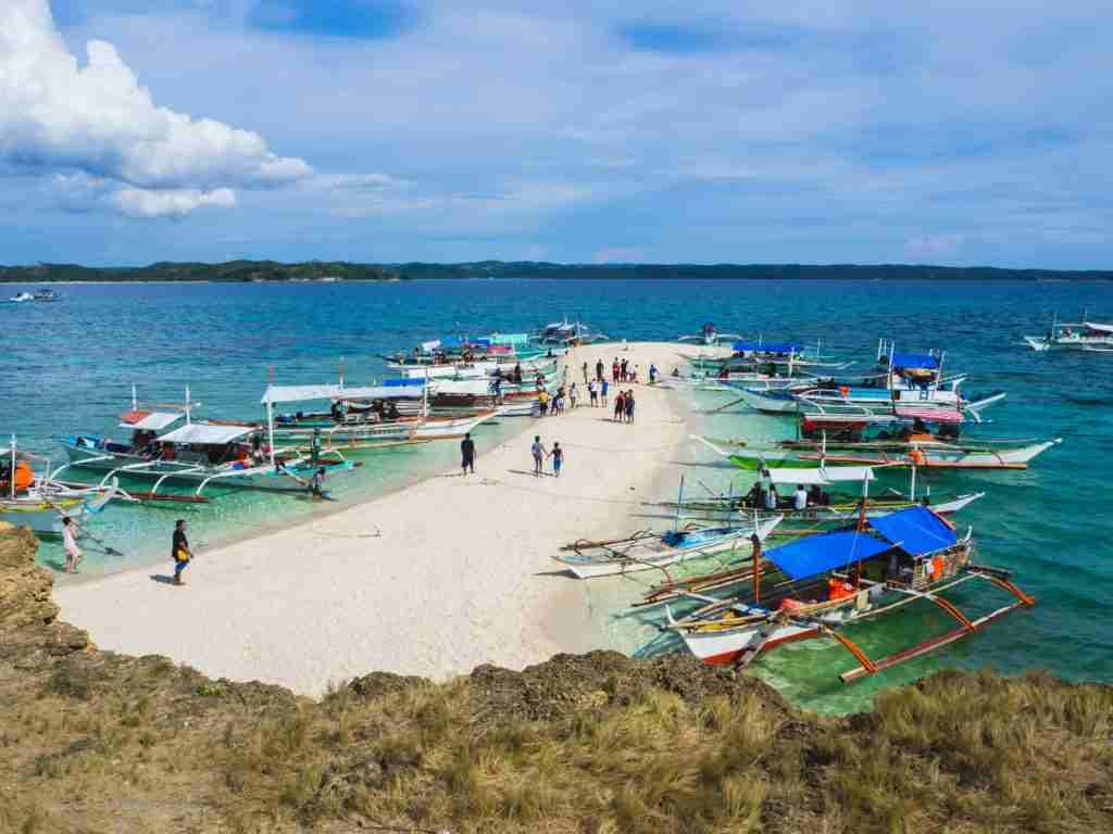 white sandbar of Tinalisayan Island