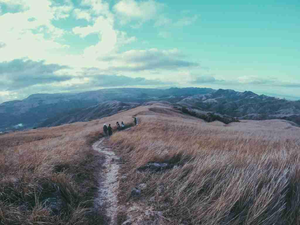 mt. batolusong grassland trail