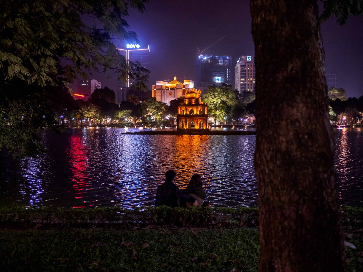 north vietnam travel itinerary hoan kiem lake