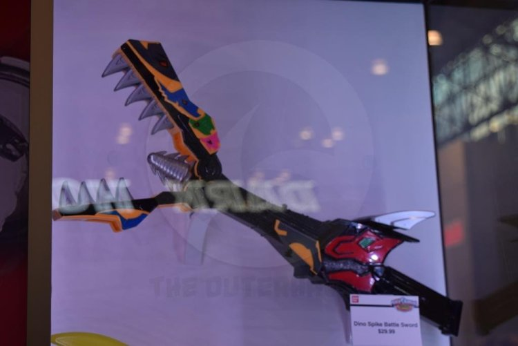nycc2015-Power_Rangers_Dino_Charge9