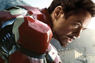 Iron Man Posing in Avengers Age of Ultron