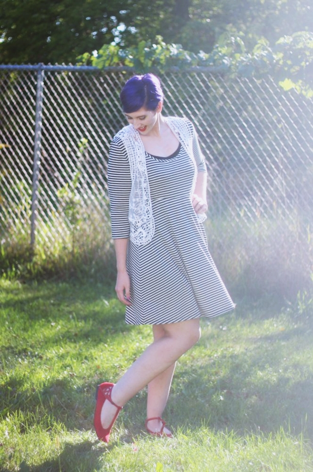 striped-dress-casual-autumn-outfit-05