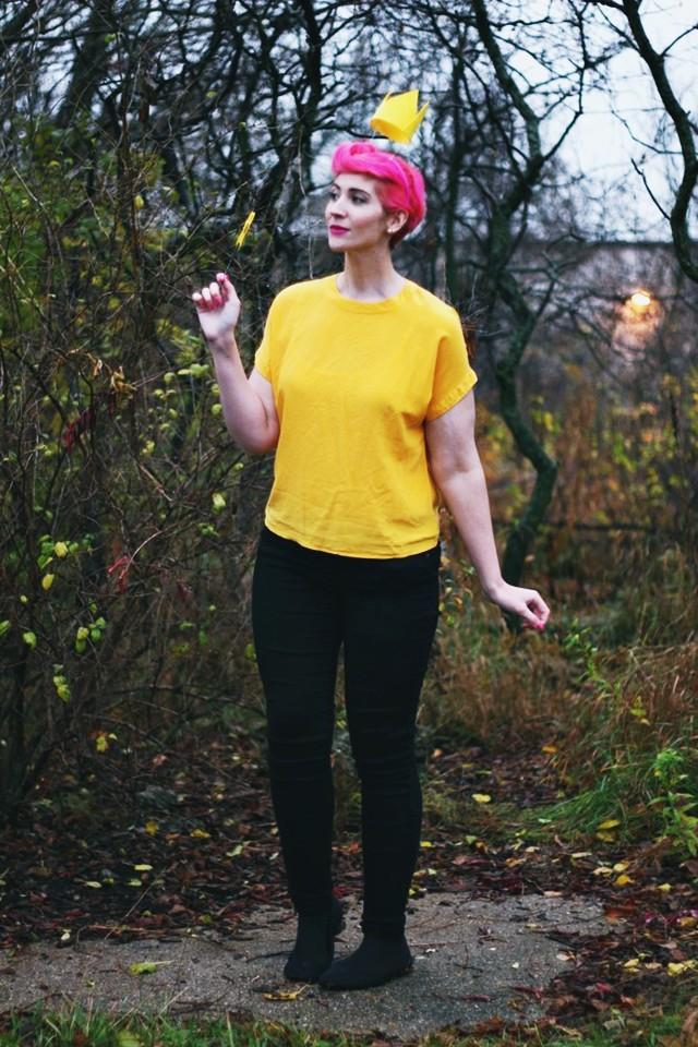 Fairly OddParents Wanda Halloween costume, pink pixie cut, floaty crown, magic wand