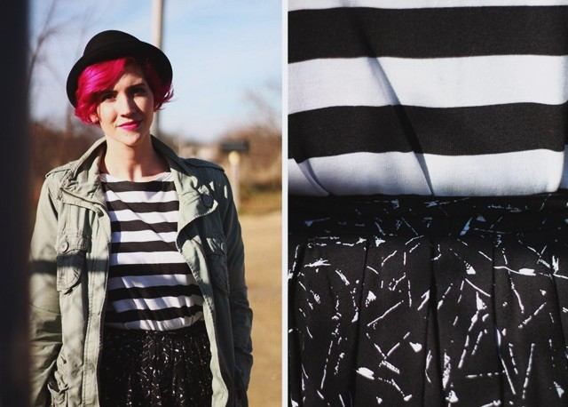striped-tee-black-skirt-pattern-mixing-outfit-06